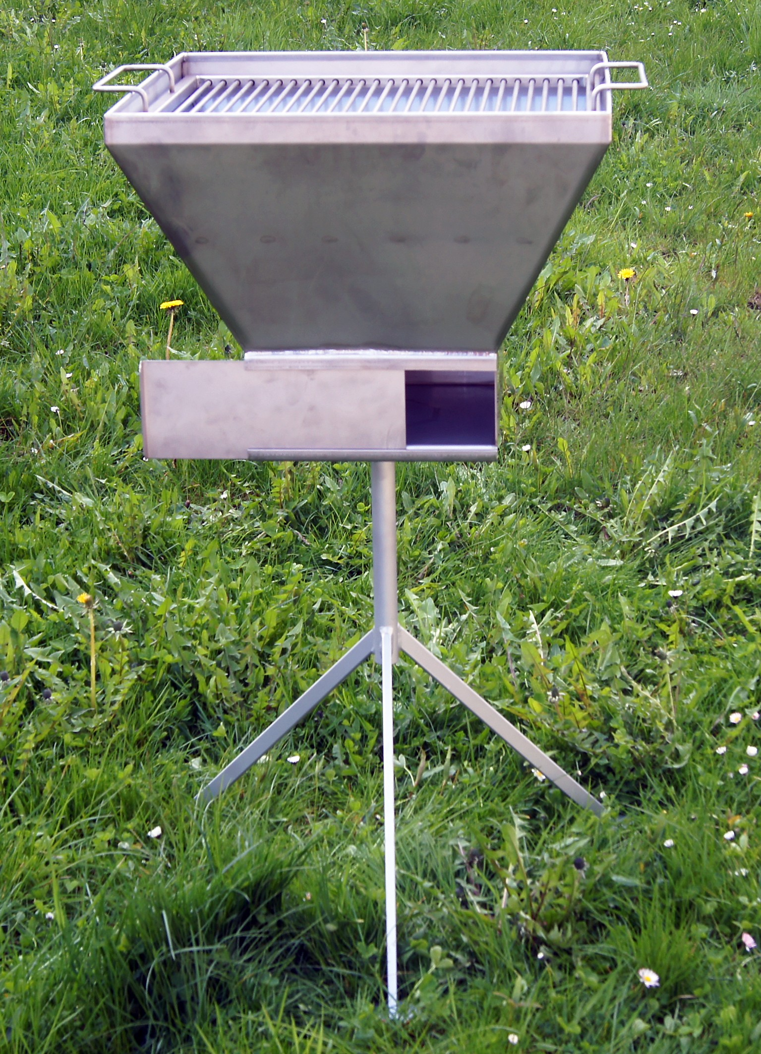 Holzkohlegrill aus edelstahl 40 x 50cm for Edelstahl holzkohlegrill
