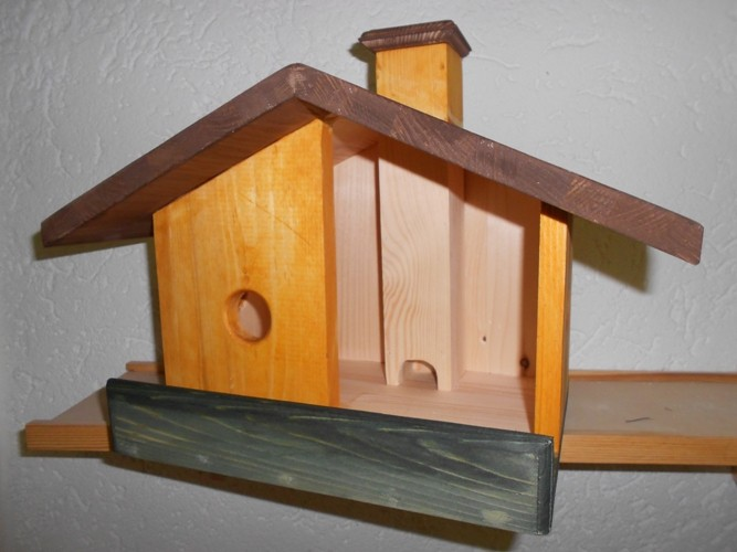 Vogel-Futterhaus